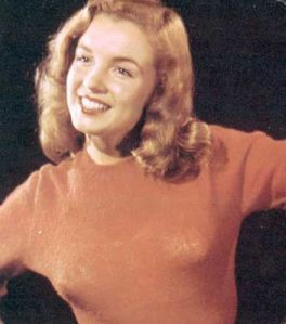 Norma-Jeane-Dougherty-Bruno-Bernard-photoshoot-1945-marilyn-monroe-tribute-36595829-352-399